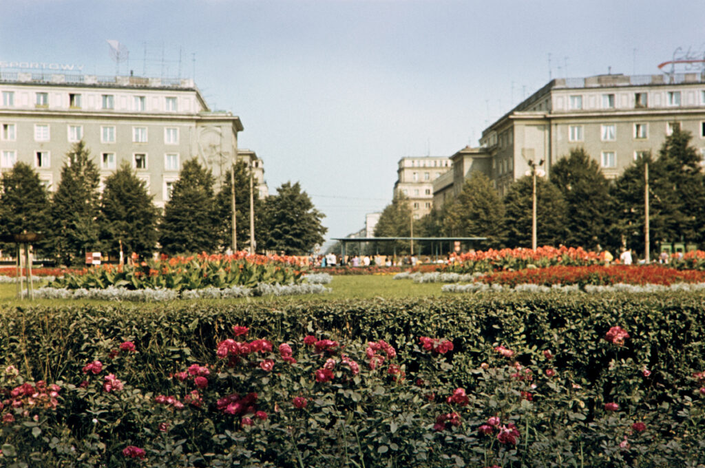 A postcard shot of urban greenery and monumental residential buildings.