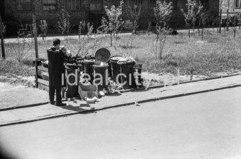 Waste bins on a Nowa Huta estate. 1950s.  Śmietnik na jednym z nowohuckich osiedli, lata 50. XX w.  Photo by Wiktor Pental/idealcity.pl