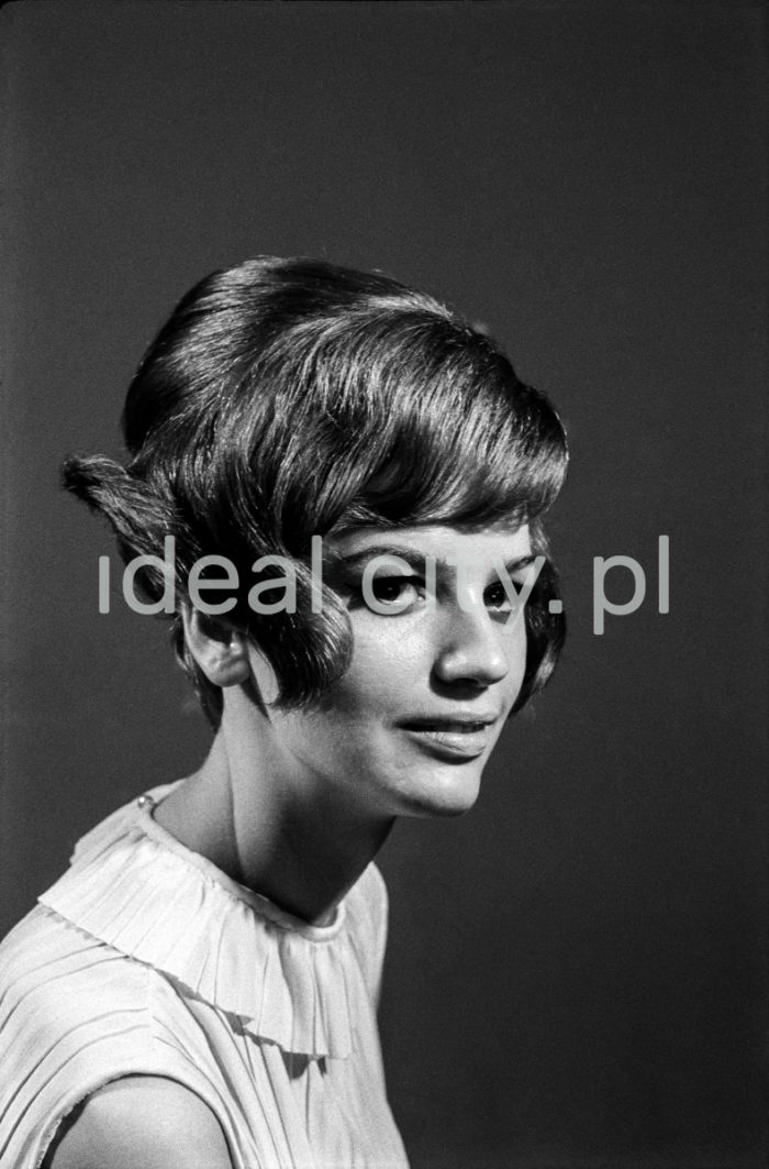 Uczestniczka festiwalu mody, Hala Wisły, 1966r. Kraków  fot. Henryk Makarewicz/idealcity.pl