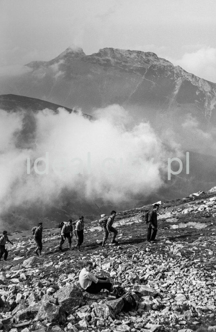 Steelworkers' Lenin Trek, Tatra Mountains. September 1963.  Leninowski Rajd Hutników, Tatry, 09.1963  Photo by Henryk Makarewicz/idealcity.pl