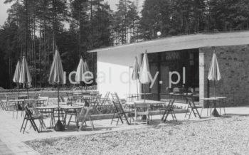 Modernist café. 1960s.  Modernistyczy pawilon kawiarni. Lata 60. XX w.  Photo by Henryk Makarewicz/idealcity.pl