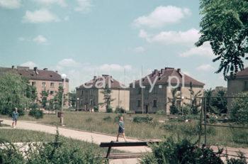 Wandy Estate. 1950s. Colour photography.  Zabudowa Osiedla Wandy. Lata 50. XX w. Fotografia barwna.  Photo by Wiktor Pental/idealcity.pl