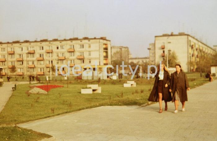Kolorowe Estate, further back: Handlowe Estate.  Na Osiedlu Kolorowym, w tle Osiedle Handlowe.  Photo by Wiktor Pental/idealcity.pl