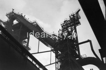 Kombinat metalurgiczny Huta im. W.I. Lenina w Nowej Hucie fragment instalacji.  fot. Henryk Makarewicz/idealcity.pl